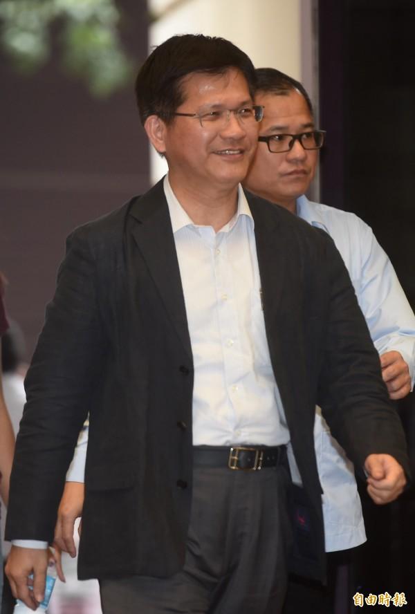 台中市長林佳龍認為,將華航更名為台灣航空有實質上的幫助。(資料照,記者簡榮豐攝)