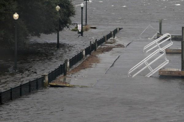 颶風已經為美國帶來暴雨。(美聯社)