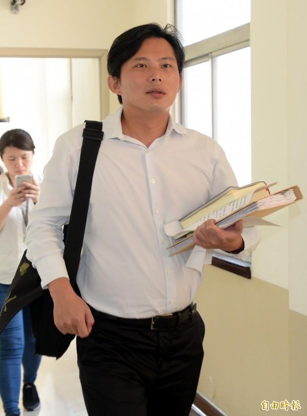 1歲就有土地買賣紀錄,黃國昌說明原因。(資料照,記者林正堃攝)