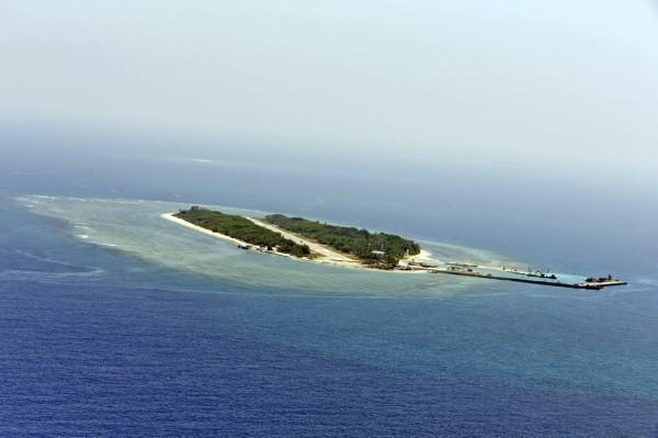 先前傳出美軍可能會派遣軍艦穿越台灣海峽,且中國有消息稱太平島未來可能會租給美軍做軍事用途,有「中國首席軍事評論家」之稱的張召忠對此嗆聲,中國感到氣噗噗。(歐新社)