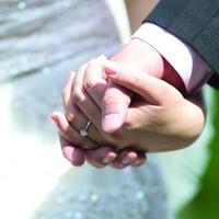 中國哈爾濱一對夫妻趙雷、李丹大學時期相戀,畢業後兩人結婚,原以為能過著甜蜜的婚姻生活,沒想到因為婆婆的插足,終於忍無可忍離婚收場。(情境照)