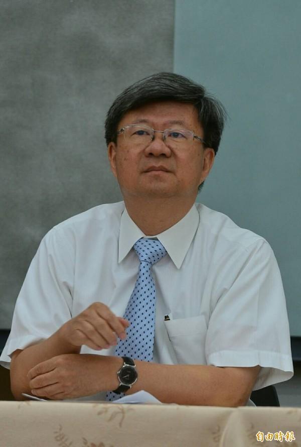 教育部長吳思華召開記者會說明反課綱民眾及學生入侵教育部,依法提起告訴。(記者王藝菘攝)