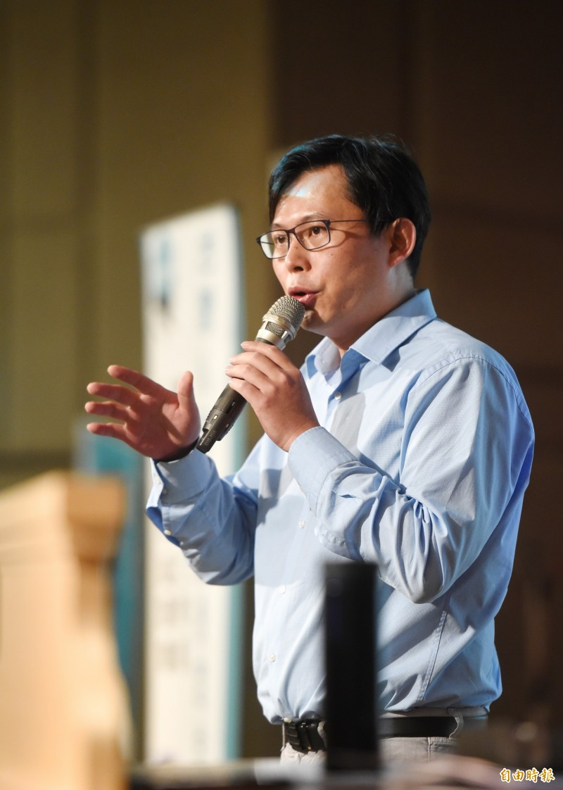 黃國昌表示,違反者除了對負責人課予「刑罰」,對廣電媒體事業,將予以「罰鍰並撤照」。(本報資料照)