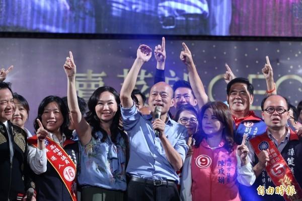國內電視台造神韓國瑜紅到海外,粵語媒體形容「造神運動遠超中國央視」。(資料照)