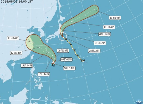 颱風「珊珊」今天下午位於台灣東北方海面,今明2天影響日本天氣,颱風「摩羯」則於今天下午2點生成,未來會向台灣北方海域前進,直到週日才會是最接近台灣的時間。(圖擷取自中央氣象局)