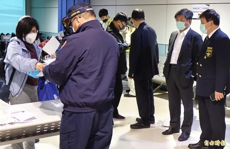 武漢肺炎疫情蔓延全球,台灣政府嚴陣以待,並公開透明公布疫情,機場檢疫也貫徹執行,獲不少日本網友羨慕。(資料照)