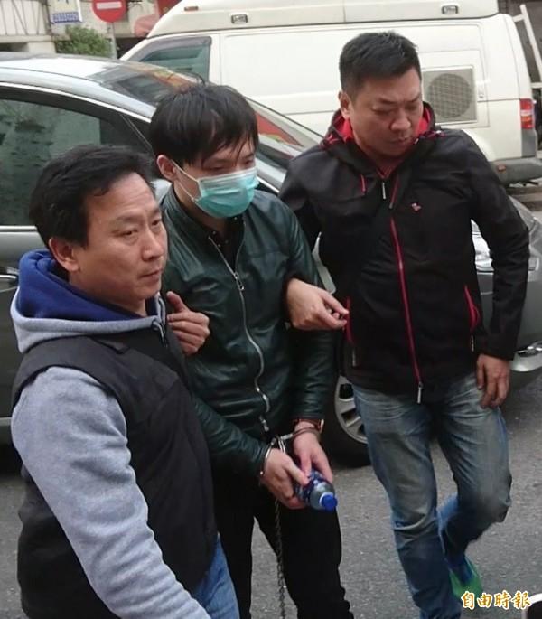 24歲的通緝犯程宇(中)涉嫌姦殺陳姓網拍女模。(資料照,記者黃捷攝)