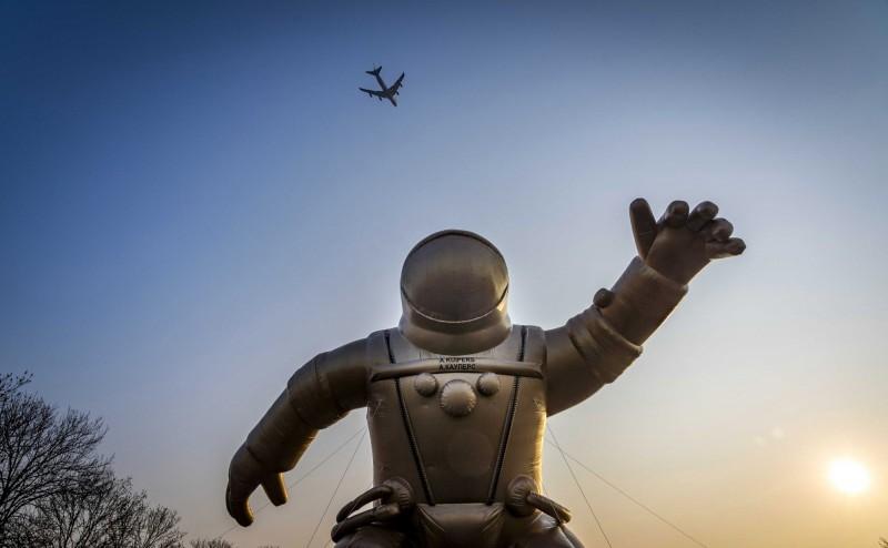 帕特里克表示,中國明年將會裝備能干擾美國低軌道衛星的雷射武器,將會對美國造成極大威脅。(歐新社資料照)