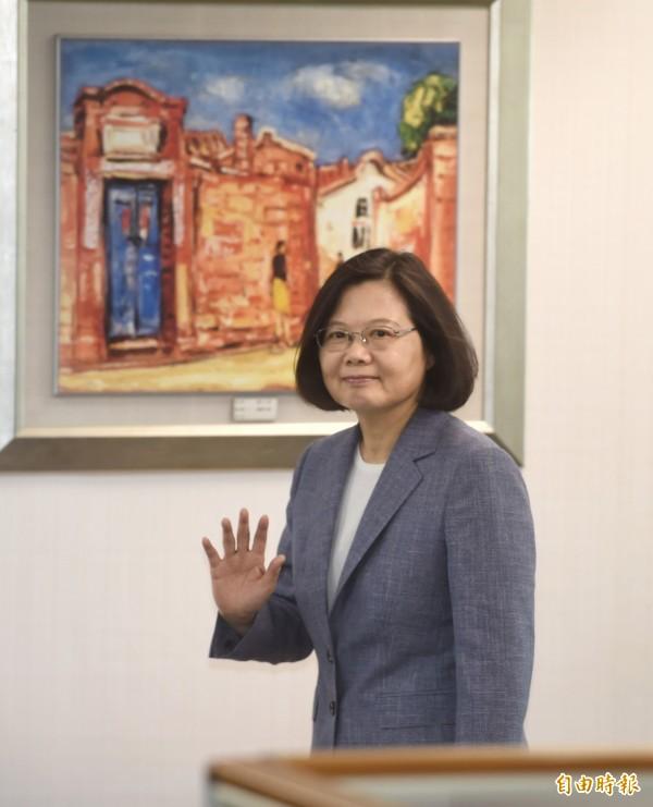 民進黨13日舉行中常會,總統兼民進黨主席蔡英文出席。(記者方賓照攝)