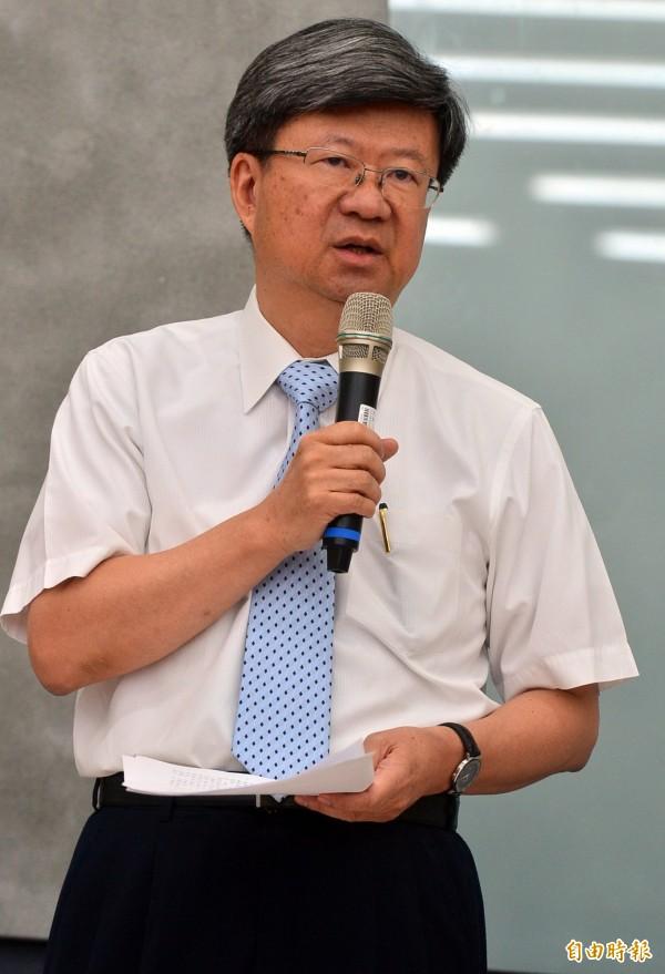 教育部長吳思華召開記者會說明反課綱民眾及學生入侵教育部,教育部將依法提起告訴。(記者王藝菘攝)