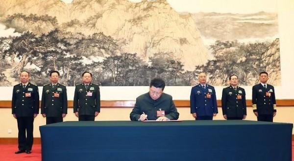 習近平今簽署今年第一道命令,對中國全軍發出「開訓動員令」。(圖擷取自中國國防部)