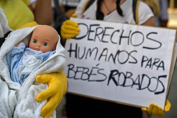 西班牙佛朗哥獨裁政府時期,當局為鞏固政權,曾主導大規模竊嬰行動。(法新社)