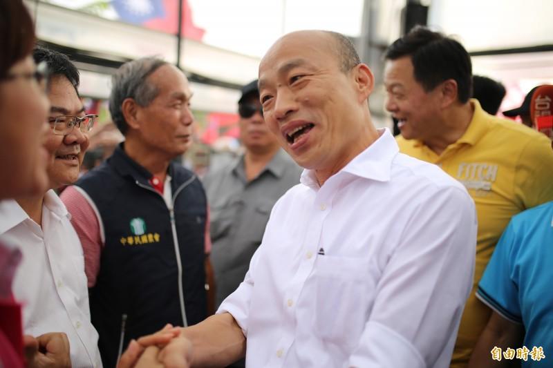 資深媒體人王瑞德就認為韓國瑜民調表現不佳「一人累全黨」,而會不停要求和蔡英文辯論目的就是為了要挽救民調。(資料照)