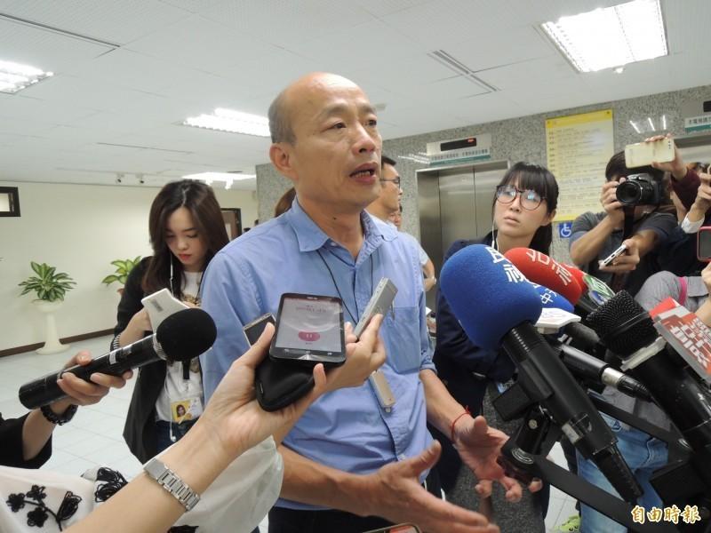 高雄市長韓國瑜接受電視台專訪時,提及行政院前院長賴清德選總統,認為他恐傾向台獨,直言「台獨比梅毒還可怕」。(資料照)