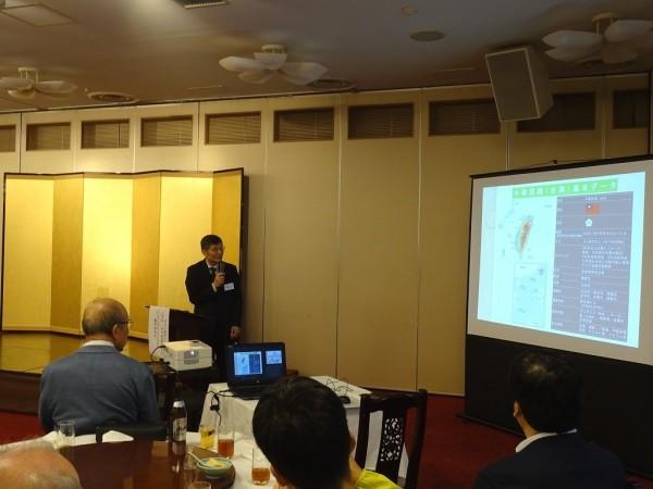 蘇啟誠12日到神戶演講台日關係,成為他最後曝光的工作身影。(圖取自駐大阪辦事處網站)