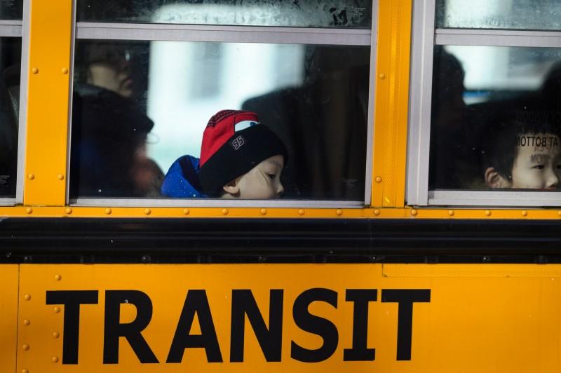 美國紐澤西州議會決定將延後州內5個學區的上學時間。(法新社)