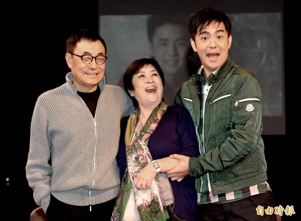 劉家昌(左一)批評台獨人士厚顏無恥。(資料照,記者宋志雄攝)