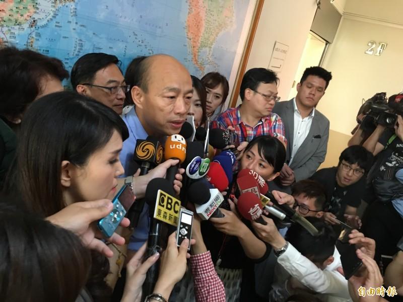 高雄市長韓國瑜突然北上拜訪立法院國民黨團,5個字回應香港反送中。(記者林良昇攝)