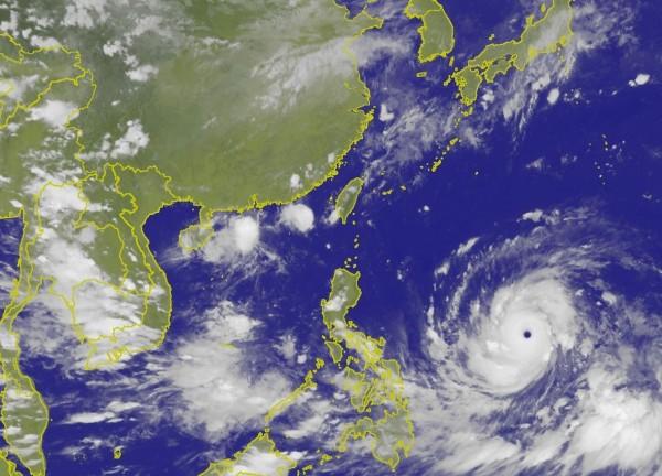 今年第22號颱風山竹(MANGKHUT)被美國列為超級颱風,中央氣象局認為暴風圈應不會碰觸到台灣陸地。(圖擷取自中央氣象局)