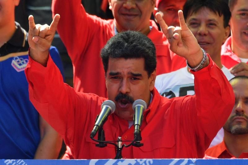 委內瑞拉原總統馬杜羅(Nicolas Maduro)23日宣布,決定與鄰國哥倫比亞斷交,並要求哥倫比亞外交官在24小時之內離開委內瑞拉境內。(法新社)
