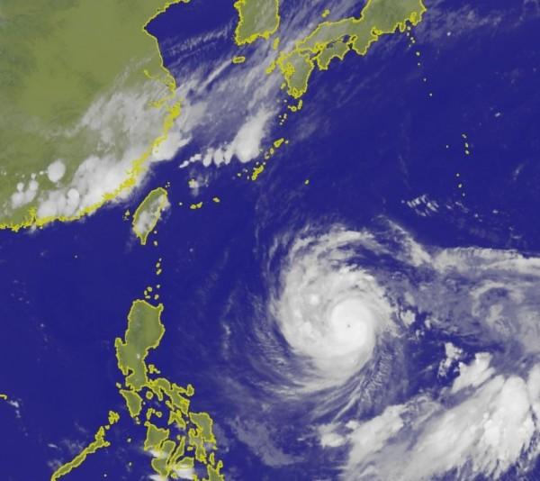 2018年第24號颱風潭美(TRAMI)目前持續朝向西北西方移動。(圖擷取自中央氣象局)