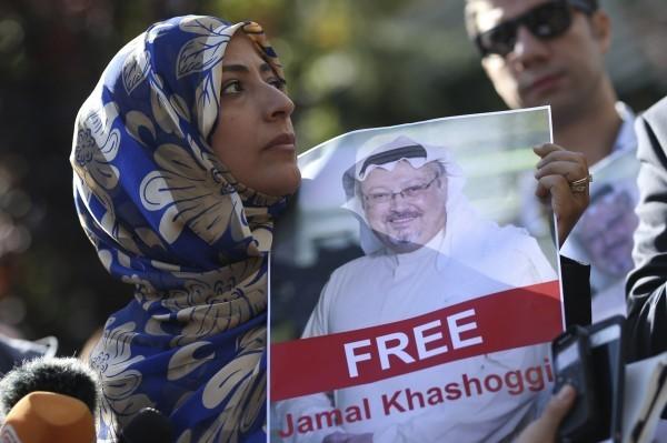 面對知名記者哈紹吉遇害一案,川普揚言將嚴厲懲罰沙國,受此消息影響, 沙國股市早盤狂瀉7%。(美聯社)