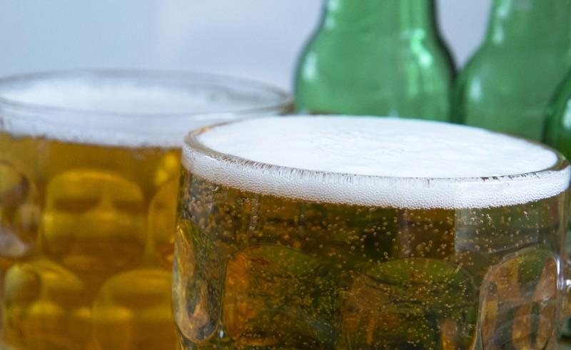19款酒類被驗出含有除草劑主要成分「嘉磷塞」,若攝取過量恐致癌。(歐新社)