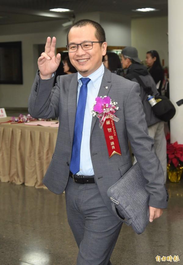 羅智強批評趙怡翔「一步登天」,呂秋遠將羅智強經歷裂出,反問他「不會心虛嗎?」(資料照)