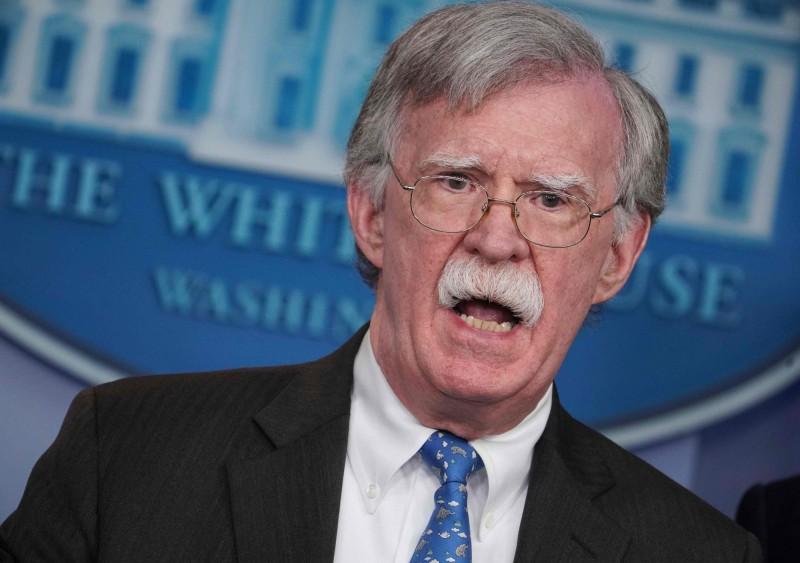 美國國家安全顧問波頓表示,北韓若不棄核,美國將擴大制裁。(法新社)