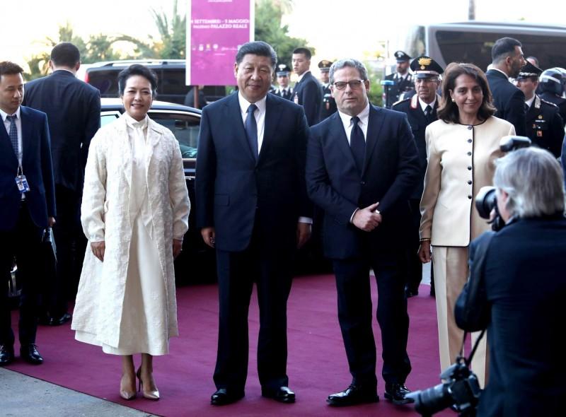 習近平22日上午與義國總統馬達雷拉會面。(歐新社)
