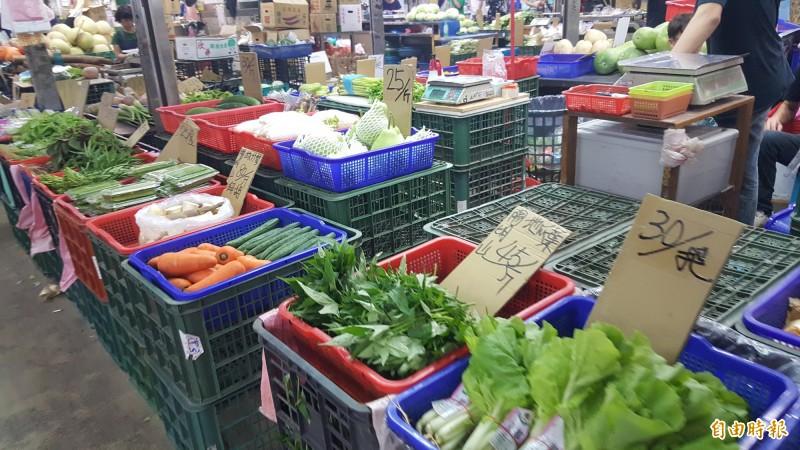 以後菜市場的散裝食品都要包標示產地。(資料照)