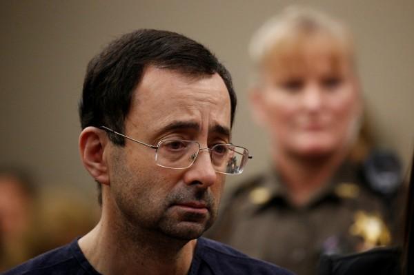 現年54歲的前美國體操國家隊隊醫納薩爾(Larry Nassar),涉嫌性侵高達156名女性,其中包括許多未成年的體操選手,他今天遭法院判處40年至175年的刑期。(路透)