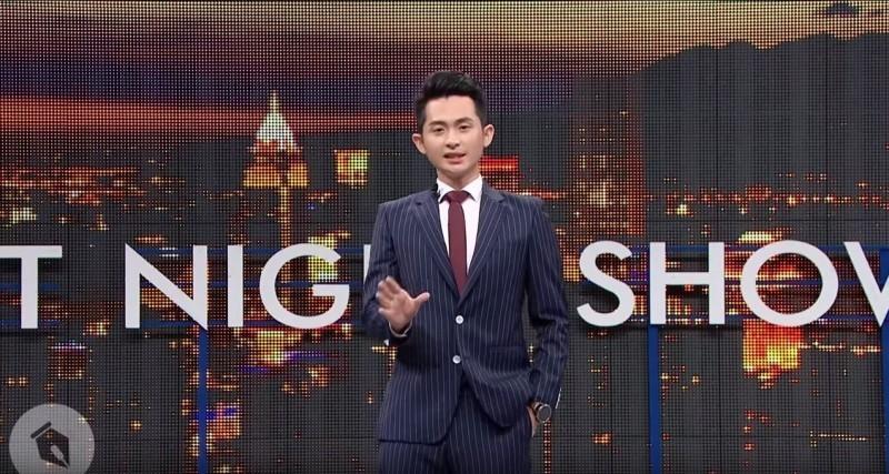 「博恩夜夜秀」製作公司「STR Network - 薩泰爾娛樂」今日開始販售「博恩夜夜秀」第三季門票。(擷取自薩泰爾娛樂YouTube頻道「STR Network」)
