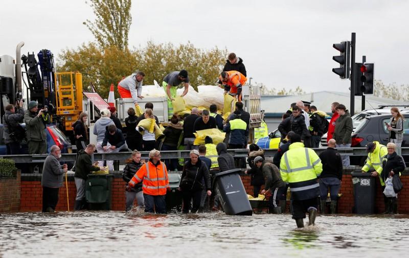 英國英格蘭中部近日發生洪災。(路透)