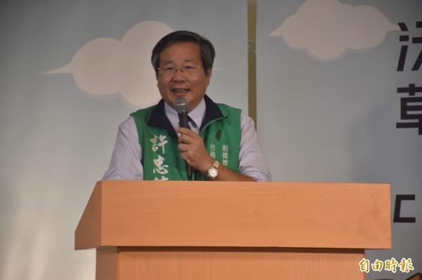 台南市長參選人許忠信參加「市長給問嗎?」(記者邱灝唐攝)