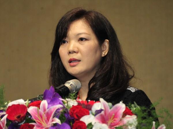 第37屆吳三連文學獎頒獎典禮,得獎者蔡素芬。(記者潘少棠攝)