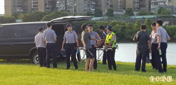 加拿大籍男子遭肢解,棄屍新北市永和中正橋下新店溪畔,警方積極緝兇,目前已初步排除死者有過接觸的6名外籍人士涉案可能。(資料照)
