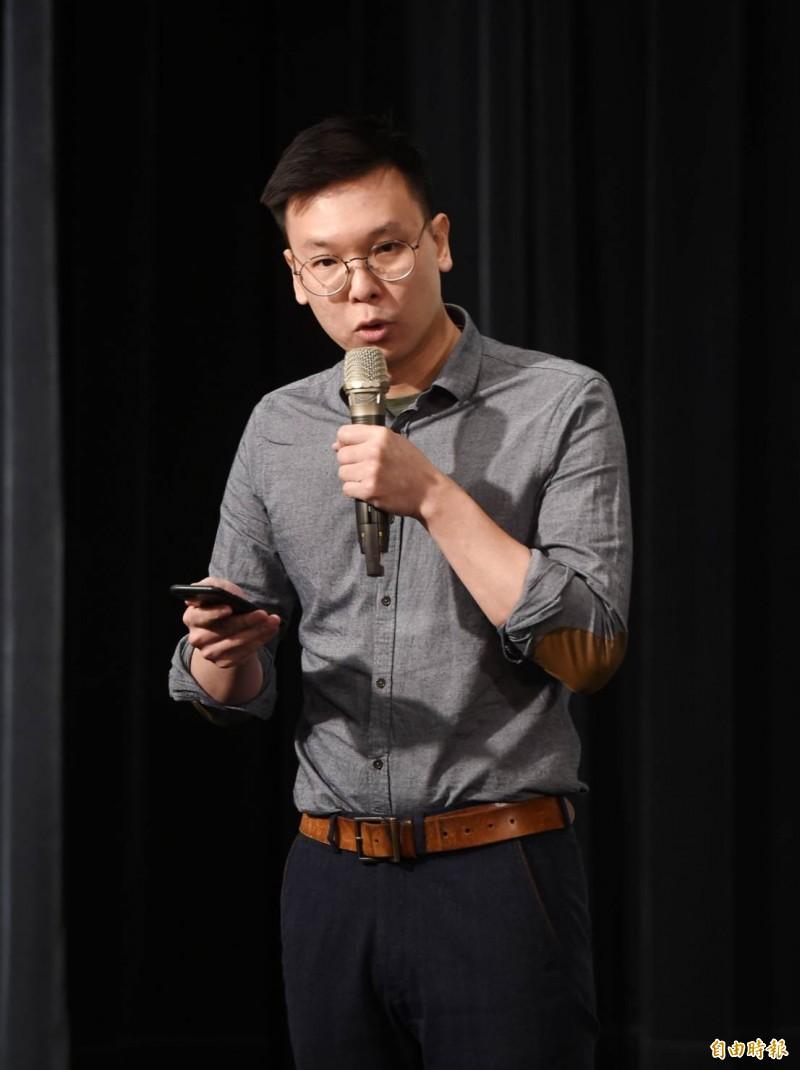 學運領袖林飛帆今出席由台灣大學研究生協會舉辦,紀念台灣民主先驅鄭南榕殉道30週年活動時,對包括韓國瑜訪中聯辦、柯文哲的兩岸一家親表示憂慮。(記者方賓照攝)