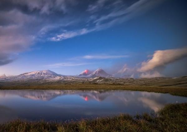 克柳切夫火山是俄國的活火山。(圖擷取自Tomas Van Der Wiejden的Instagram)