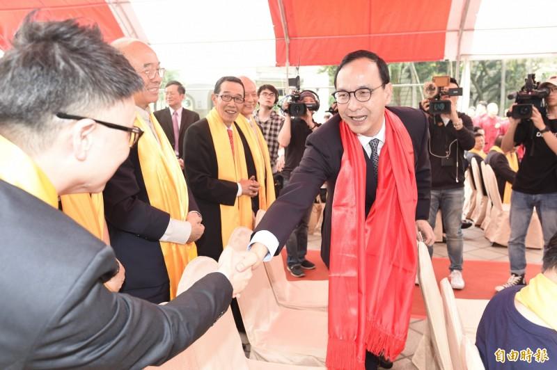 前新北市長朱立倫出席在台北市中山堂廣場舉行的已亥年軒轅黃帝拜祖大典。(記者叢昌瑾攝)