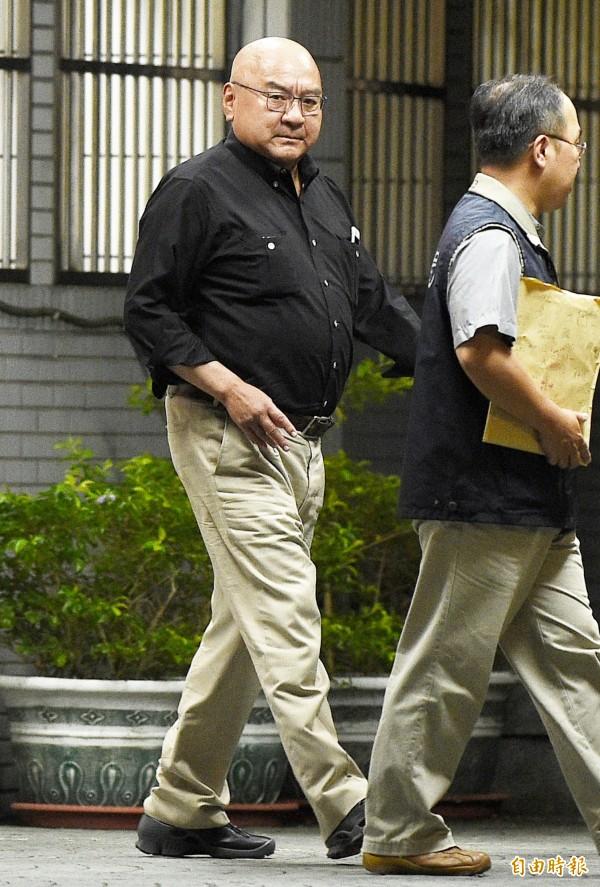 潤泰集團總裁尹衍樑以證人身分移送至北檢複訊後請回 。(記者陳志曲攝)