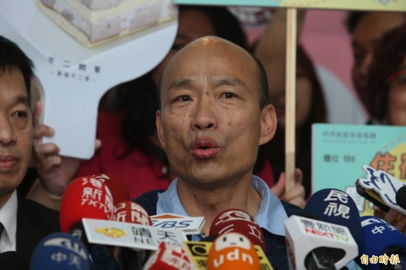 高雄市長韓國瑜說,有前市府退休高官遙控「打韓小組」。(記者洪臣宏攝)