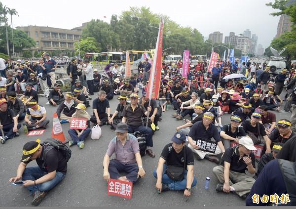 反年改團體將在明天下午前往總統府抗議,圖為示意圖,與新聞無關。(記者黃耀徵攝)
