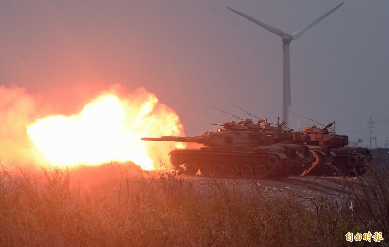 M60A3戰車國軍在108年春節加強戰備聯合反登陸作戰實彈射擊操演進行火砲射擊。(記者廖振輝攝)