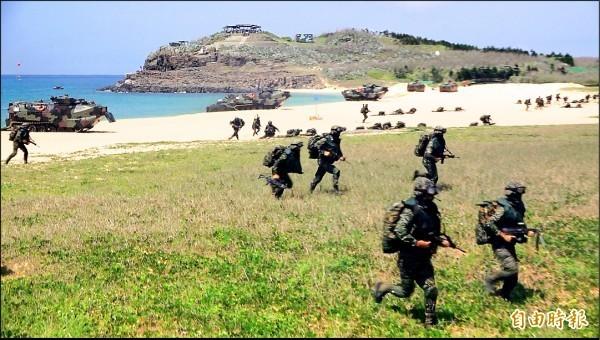 國軍漢光演習曾模擬共軍登陸攻防戰。(資料照,記者劉禹慶攝)