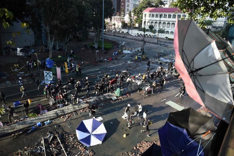 香港理大的抗爭仍在持續中。(法新社)