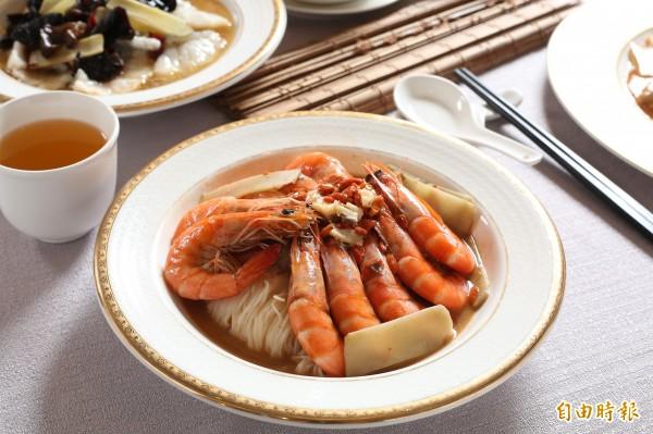麻油麵線是台灣常見料理,自己在家動手做,吃得美味又安心。(記者沈昱嘉攝)