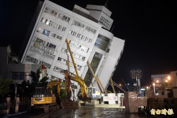 花蓮地區因規模6有感地震造成雲門翠堤大樓等4棟建物倒塌及傷亡。美國國務院東亞局發言人凱維今天代表美國政府表示關切與哀悼(記者黃耀徵攝)