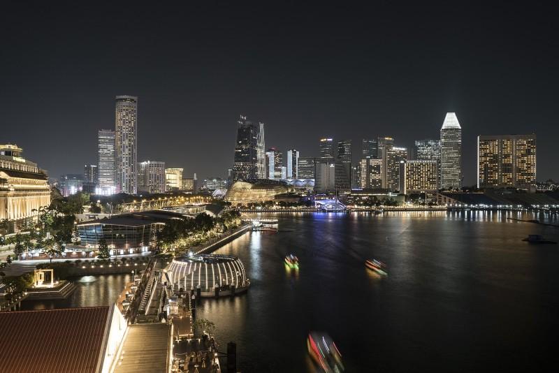 新加坡總人口約580萬,其中76.2%為華人,美智庫揭露中國企圖「統戰」華僑,引導社會輿論和政策走向。(彭博)