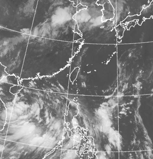 吳德榮指出,南海熱帶性低氣壓是否成颱,今明兩天是關鍵。(中央氣象局)